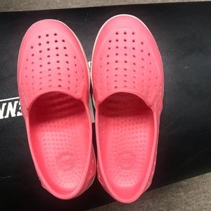 Gap water shoes for girls